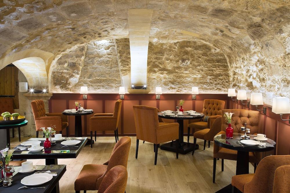 les tournelles in paris hotel rates reviews on orbitz. Black Bedroom Furniture Sets. Home Design Ideas