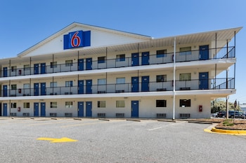 Motel 6 Greenville SC