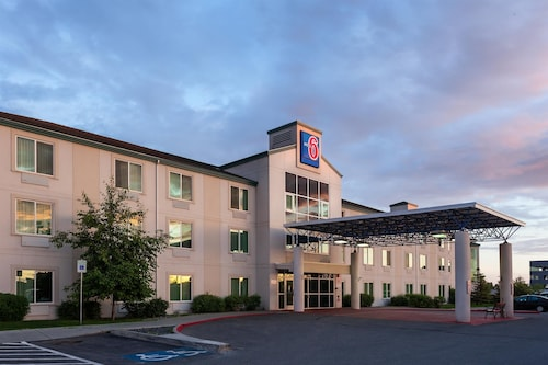 Motel 6 Anchorage, AK - Midtown