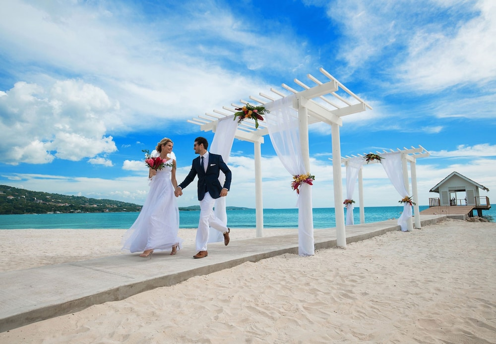 Outdoor Wedding Area, Sandals South Coast - ALL INCLUSIVE Couples Only