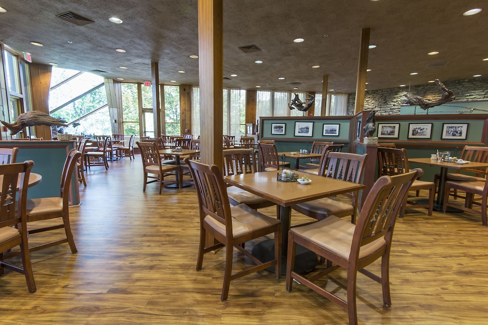 Breakfast Area, General Butler State Resort Park