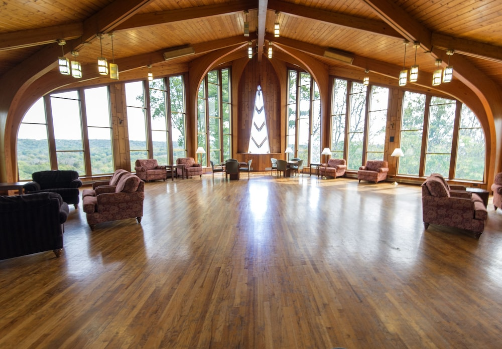 Reception Hall, General Butler State Resort Park