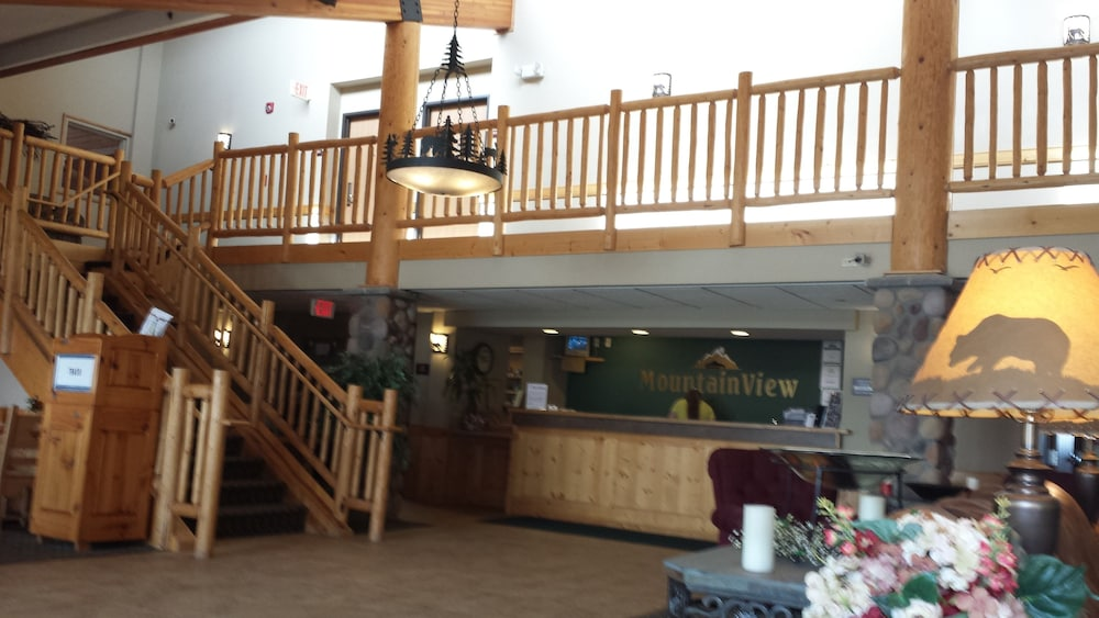 Interior Entrance, MountainView Lodge & Suites