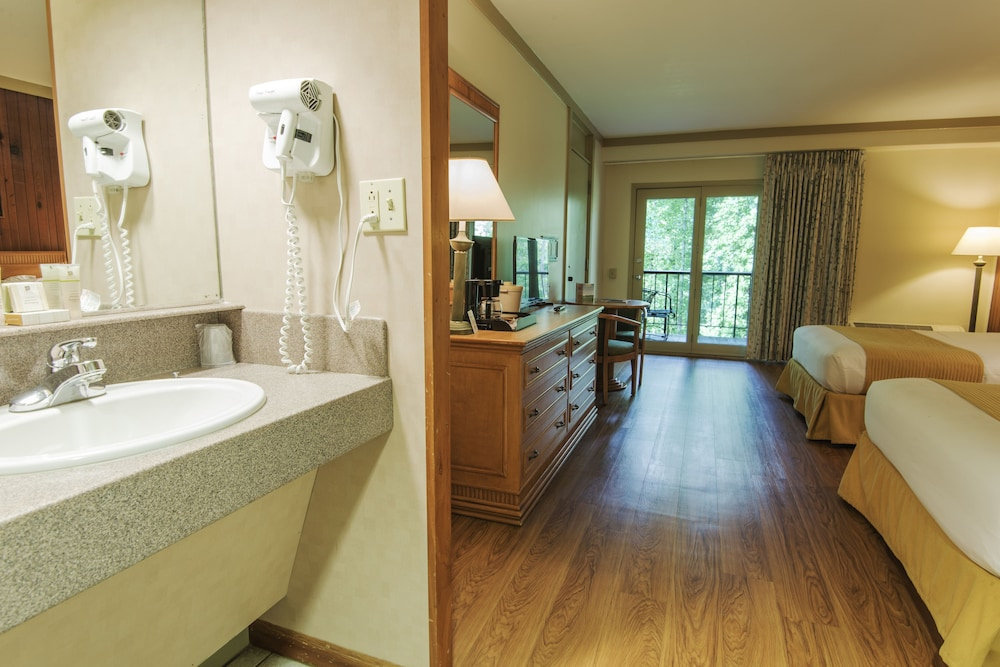 Jenny Wiley State Resort Park 3 0 Out Of 5 Street View Featured Image Guestroom