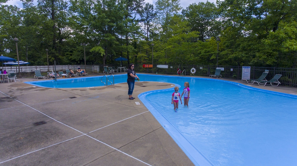 Outdoor Pool, Pine Mountain State Resort Park