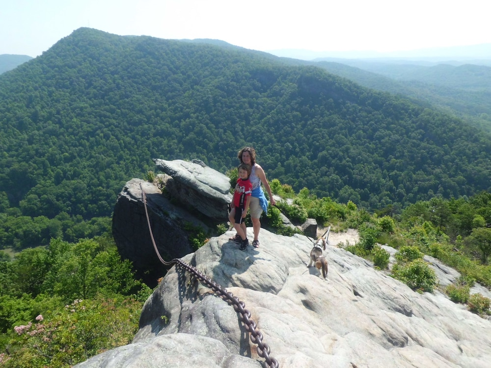 Pet-Friendly, Pine Mountain State Resort Park