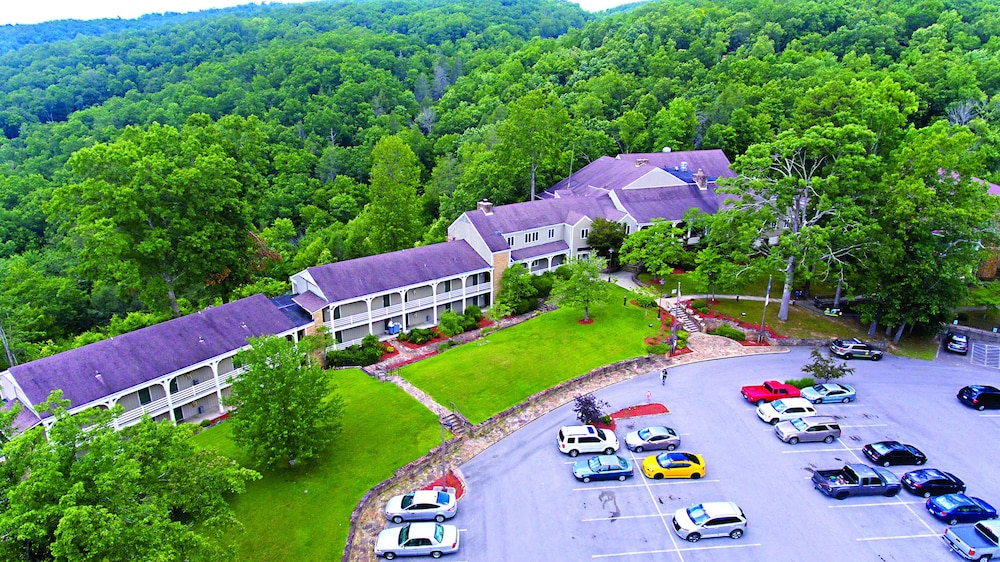 Featured Image, Pine Mountain State Resort Park