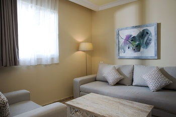 Deluxe Suite, Ocean View (Cayena) - Living Room
