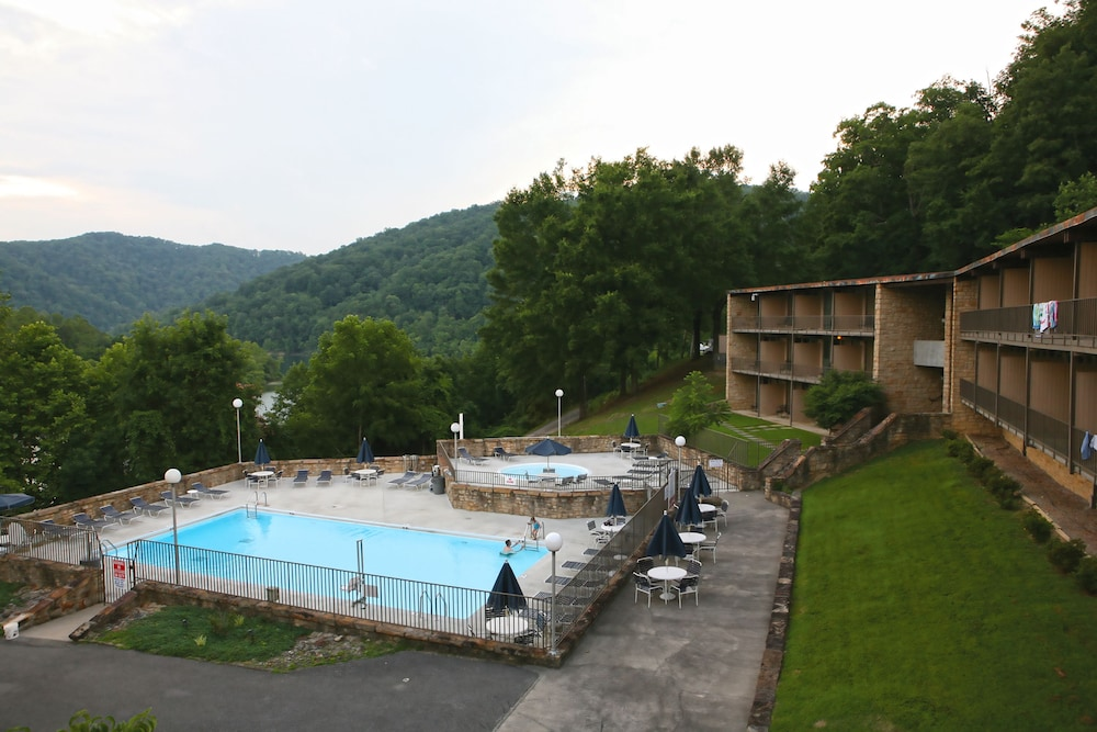 gays creek Gays creek campground, a campground, in gays creek, ky 41745, address and phone number campgrounds provide information about camping, tent camping, reserveamerica, koa, rv resorts, campsites, and cabins.