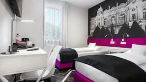 Allergitestet sengetøy, safe på rommet og skrivebord