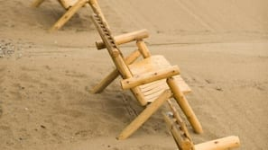 海灘、躺椅、沙灘巾