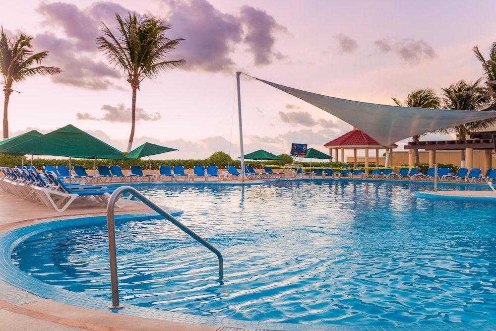 Outdoor Pool, GR Solaris Cancun & Spa - All Inclusive