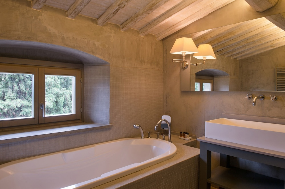 Deep Soaking Bathtub, Villa Sassolini Luxury Boutique Hotel, The Originals Collection