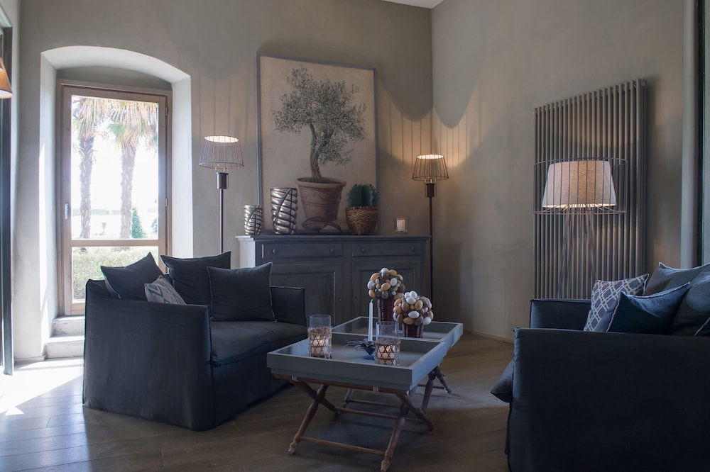 Living Room, Villa Sassolini Luxury Boutique Hotel, The Originals Collection