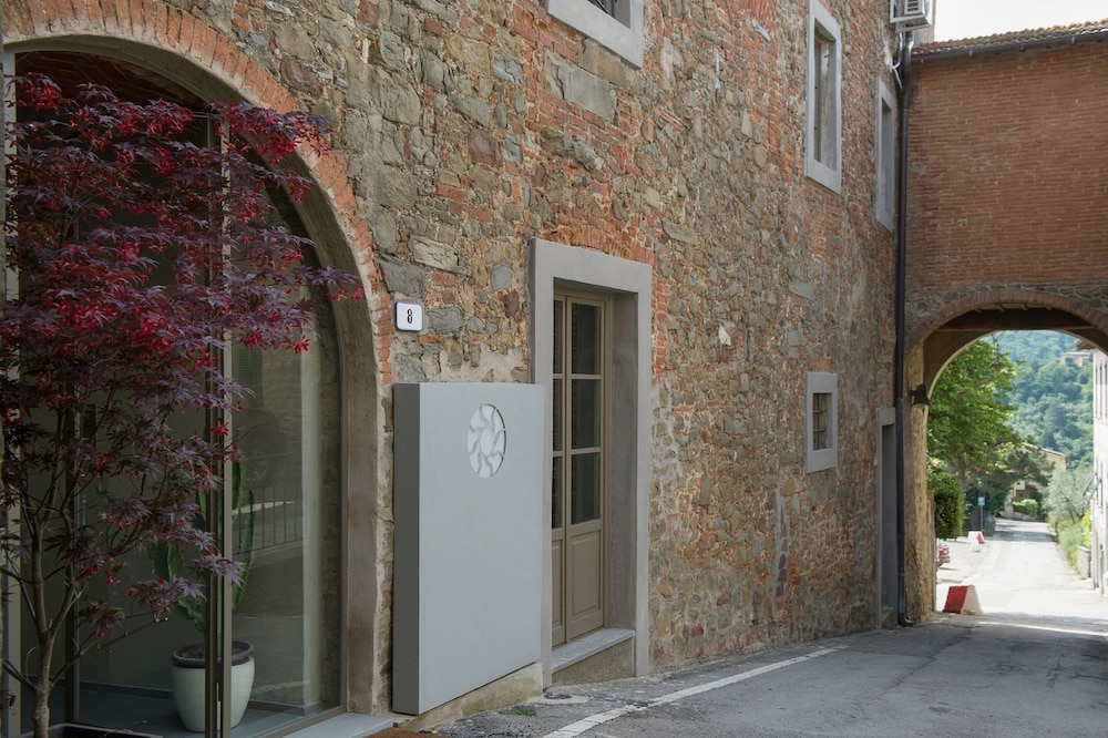 Property Entrance, Villa Sassolini Luxury Boutique Hotel, The Originals Collection