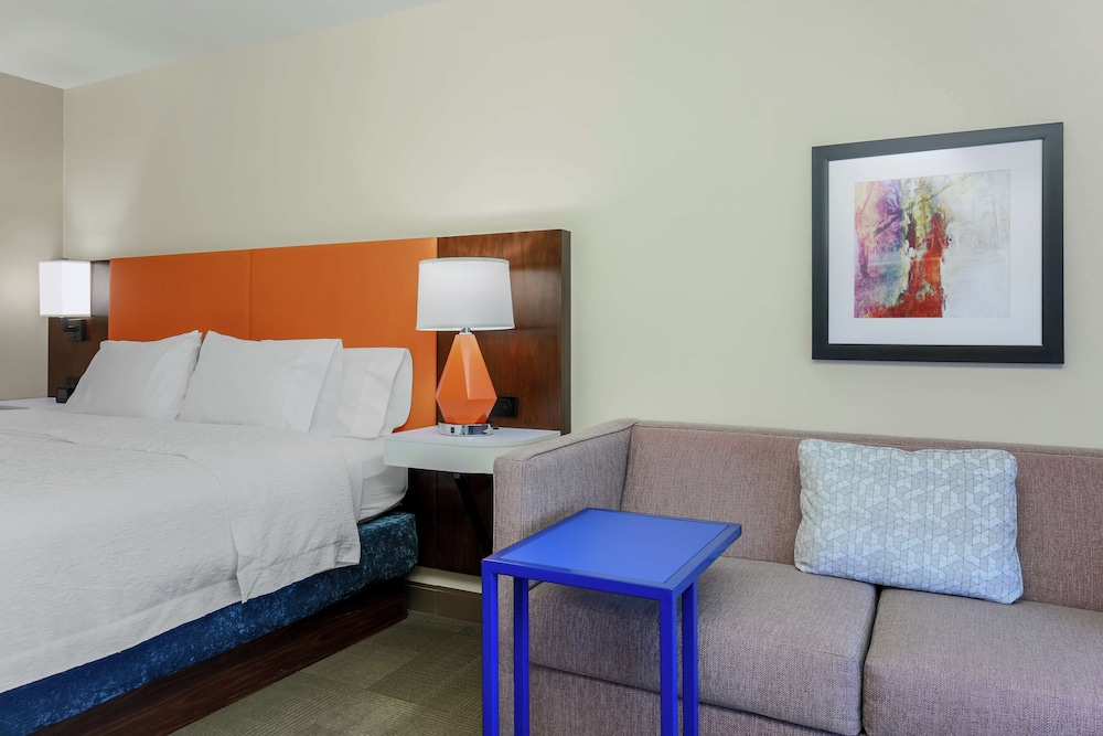 Living Area, Hampton Inn & Suites Tallahassee I-10-Thomasville Rd