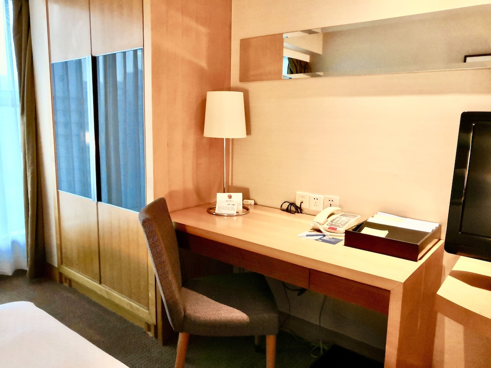 Room, Four Points by Sheraton Shenzhen