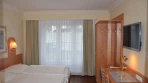 Allergikerbettwaren, Schreibtisch, schallisolierte Zimmer