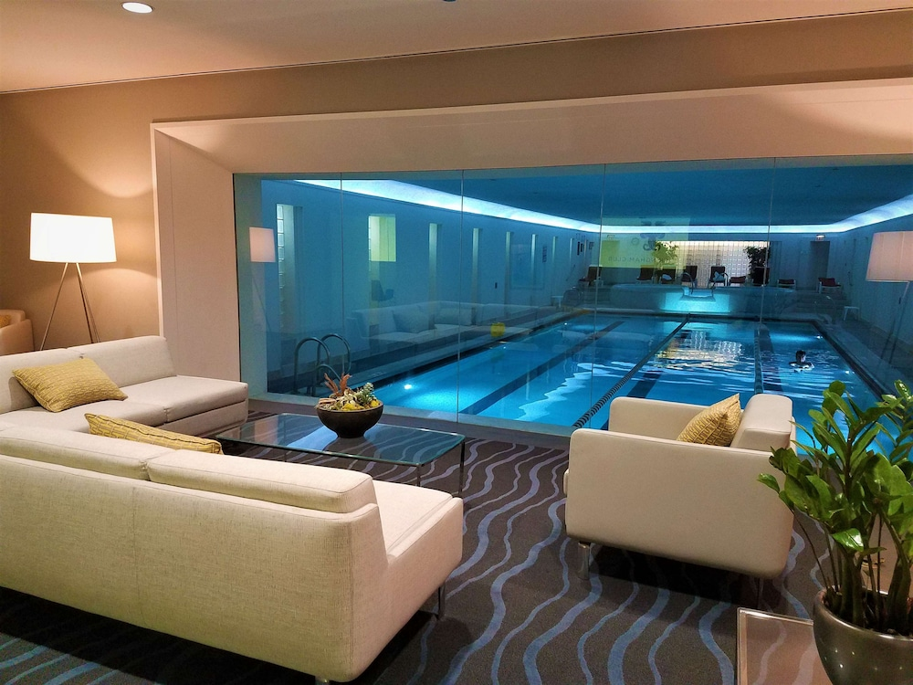Indoor Pool, The Buckingham Hotel