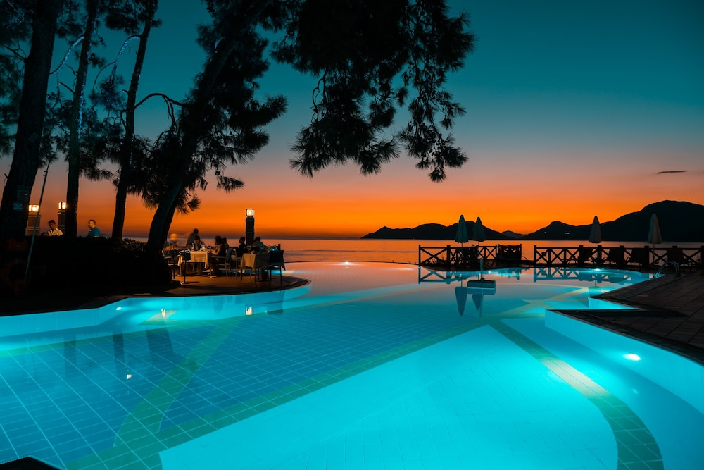 Infinity Pool, Liberty Hotels Lykia - All Inclusive