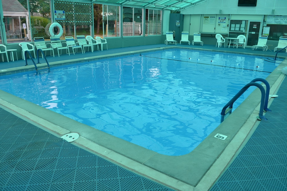 Indoor Pool, Town Crier Motel