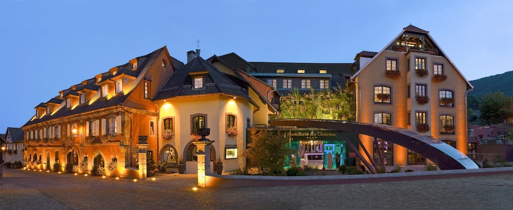 Front of Property - Evening/Night, Hostellerie des Châteaux & Spa