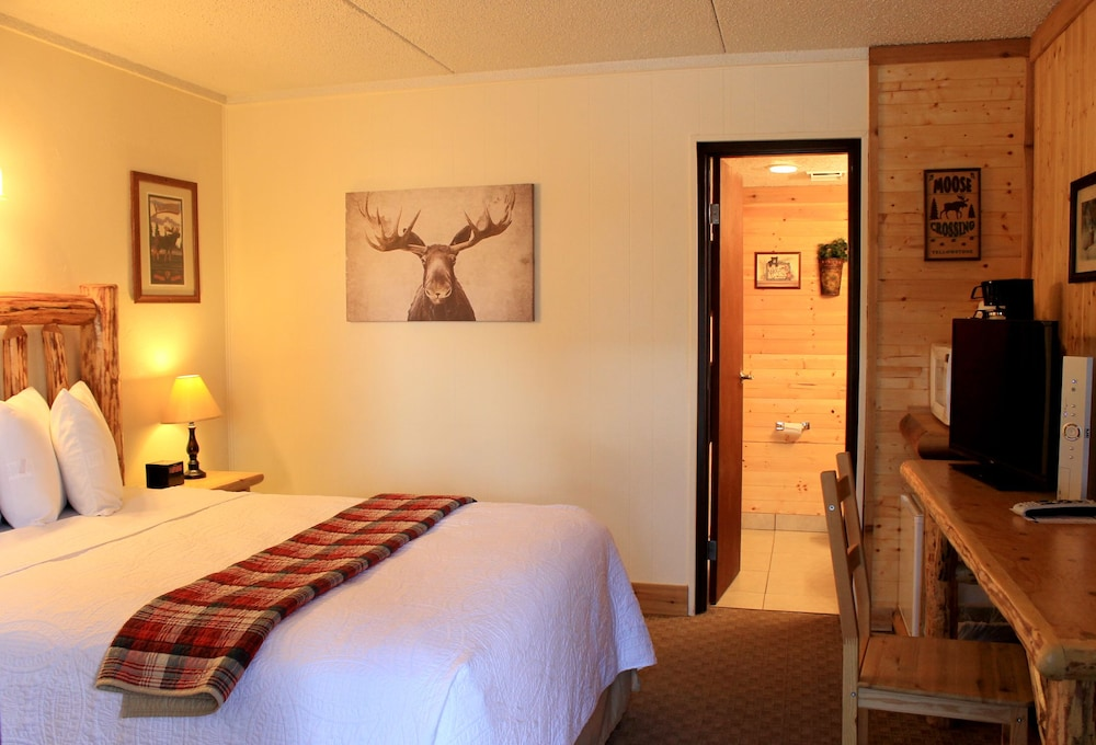 Room, Moose Creek Inn