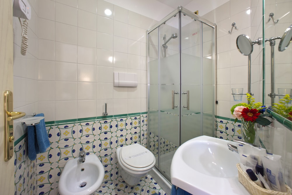 Bathroom, Hotel Del Mare