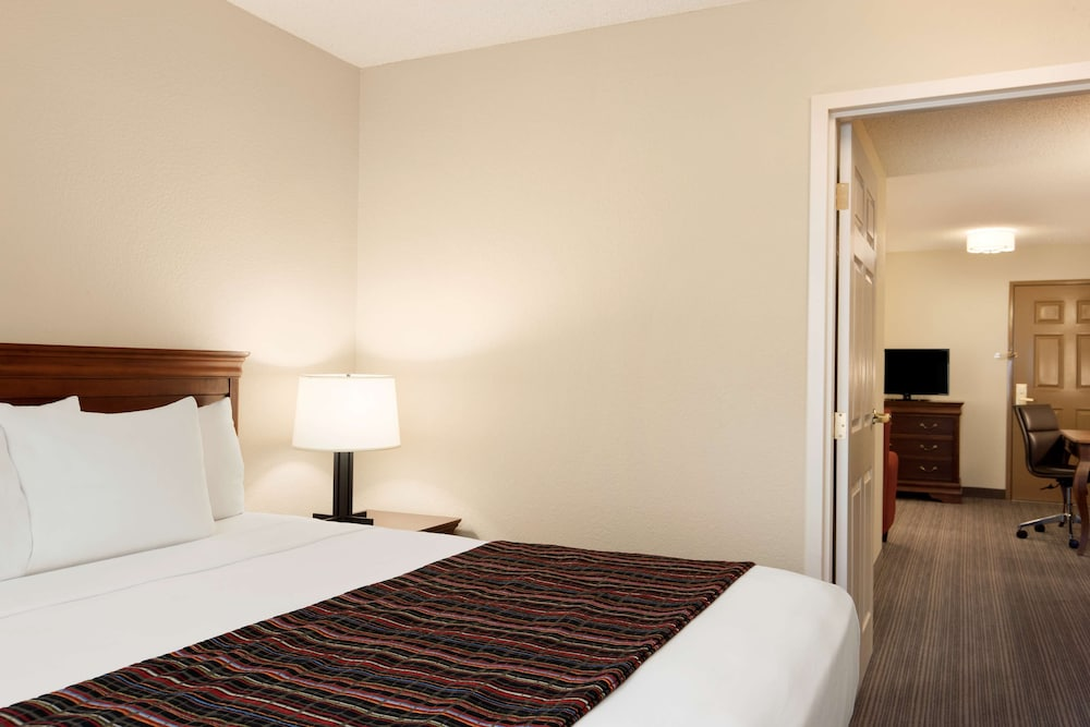 Room, Country Inn & Suites by Radisson, Lehighton (Jim Thorpe), PA