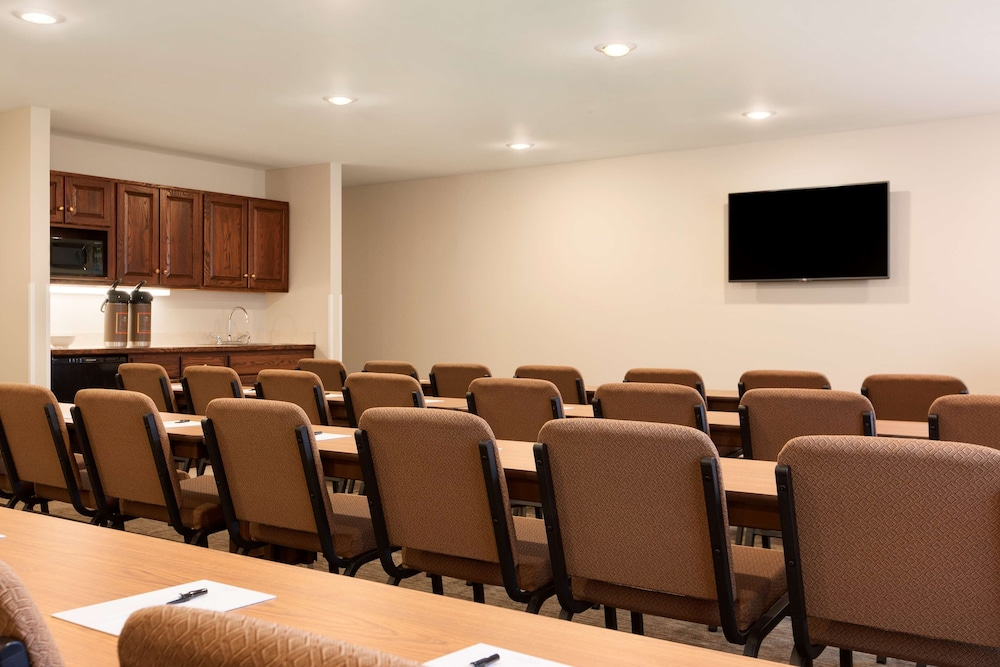 Meeting Facility, Country Inn & Suites by Radisson, Lehighton (Jim Thorpe), PA