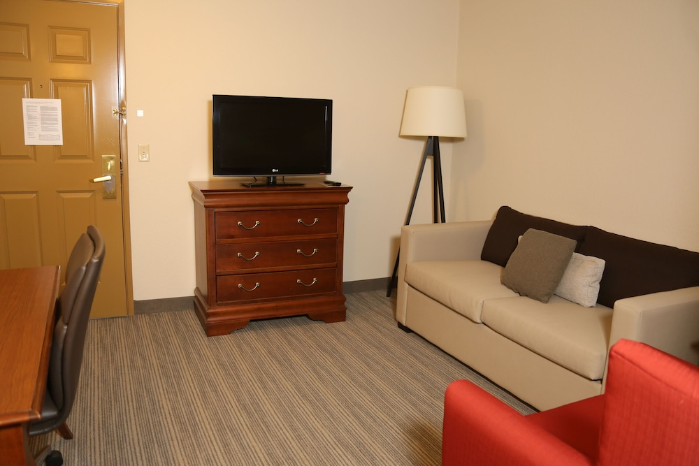 Living Room, Country Inn & Suites by Radisson, Lehighton (Jim Thorpe), PA