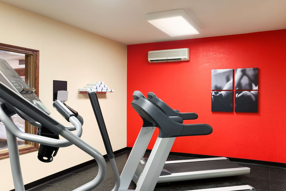 Fitness Facility, Country Inn & Suites by Radisson, Lehighton (Jim Thorpe), PA