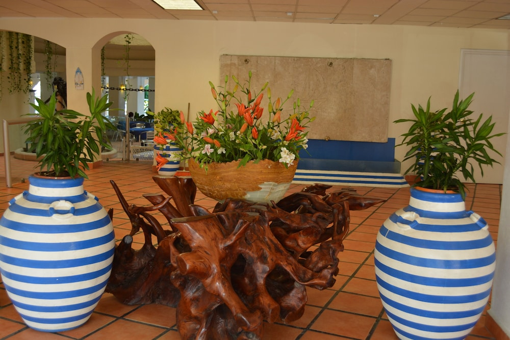 Acamar Beach Resort Acapulco 3 0 Out Of 5 Ocean View Featured Image Lobby