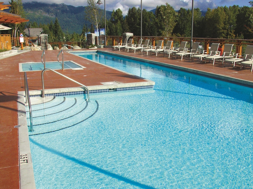 Outdoor Pool, Pan Pacific Whistler Village Centre