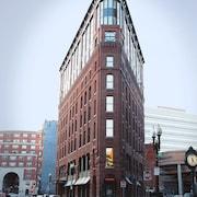 Hotels Near Massachusetts General Hospital (MGH), West End | Travelocity