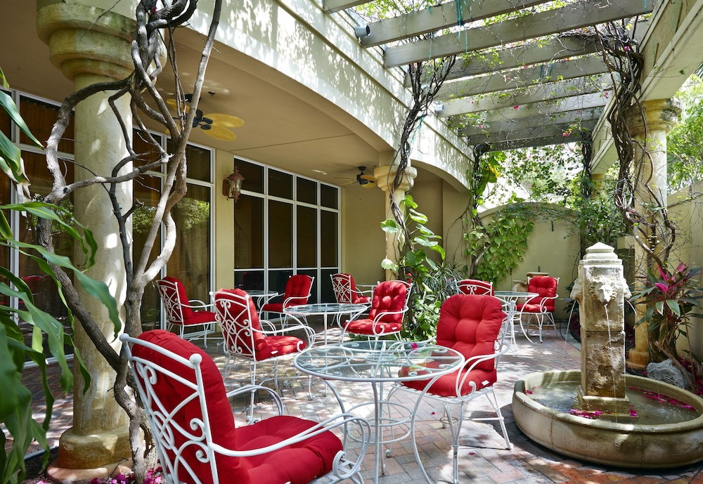 Terrace/Patio, Hampton Inn by Hilton West Palm Beach Central Airport