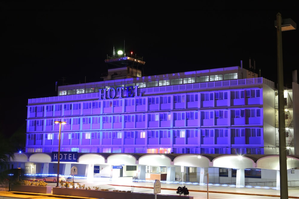 Front of Property - Evening/Night, San Juan Airport Hotel