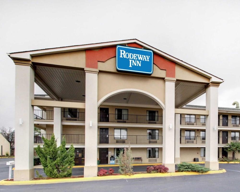 594c02831f7d Rodeway Inn North in Jackson