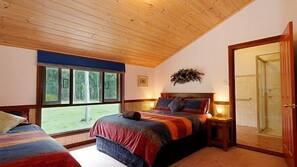 5 bedrooms, premium bedding, pillow-top beds, free WiFi