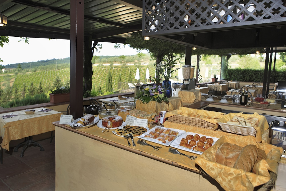 Breakfast Area, Relais Vignale & Spa
