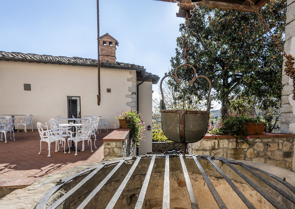 Terrace/Patio, Relais Vignale & Spa