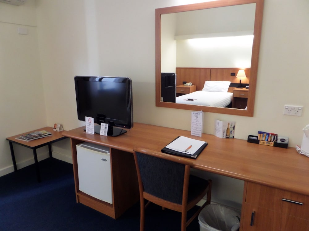 comfort hotel perth city east perth aus