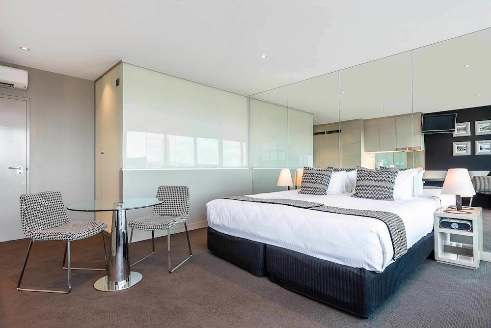 mantra bell city preston australia best price guarantee. Black Bedroom Furniture Sets. Home Design Ideas