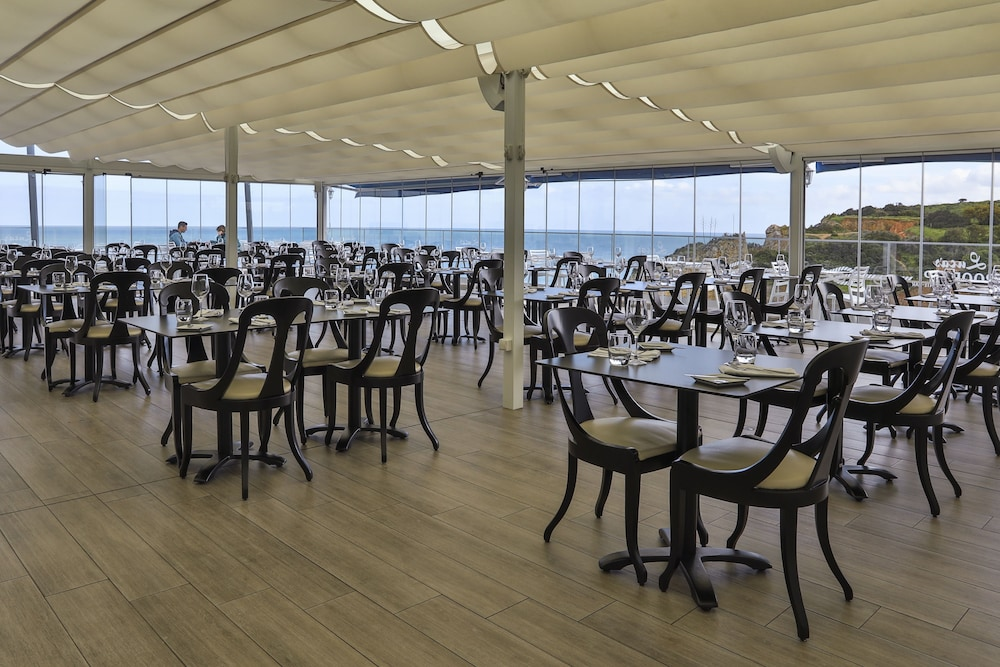 Restaurant, Carvi Beach Hotel