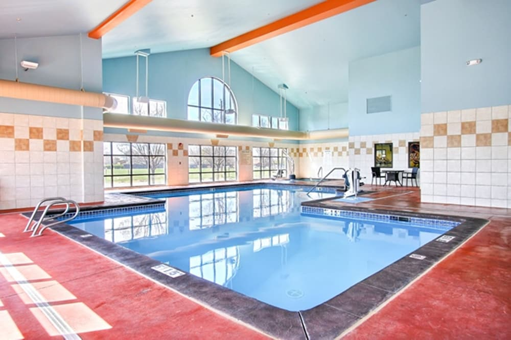 Pool, Holiday Inn Express Hotel & Suites Boise West - Meridian