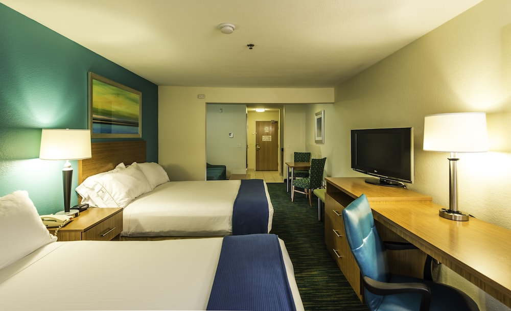 Room, Holiday Inn Express Jacksonville - Blount Island, an IHG Hotel