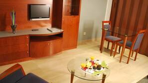 Minibar, in-room safe, desk, soundproofing