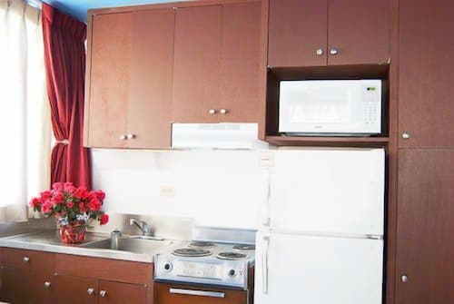 Private Kitchen, Holiday Surf Hotel