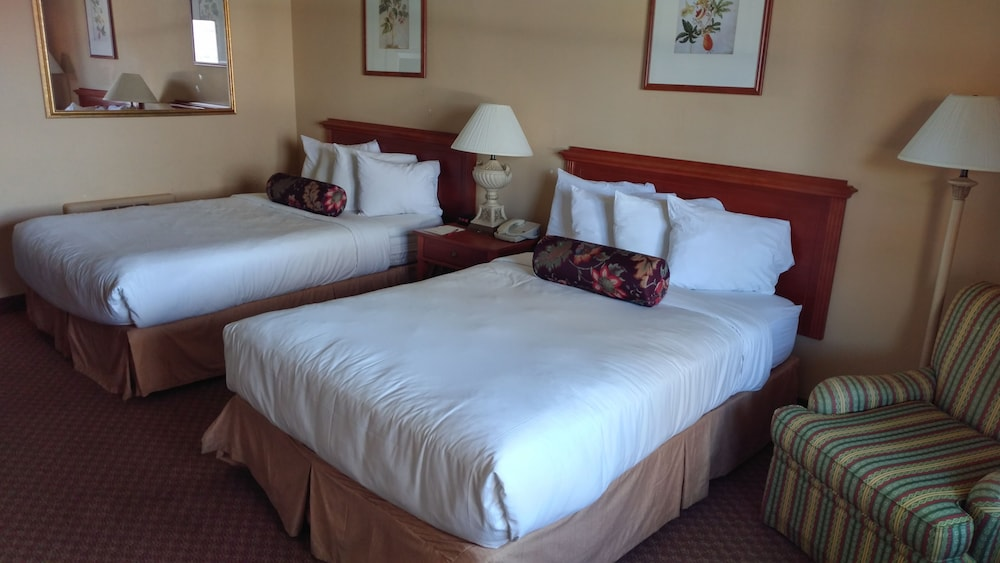 Room, Fort William Henry Hotel and Conference Center