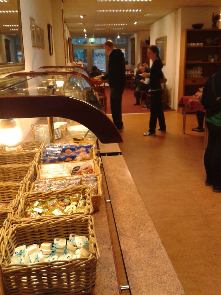 Buffet, Rho Hotel